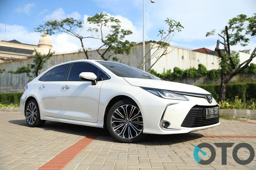 Road Test Toyota Corolla Altis: For Adults Only