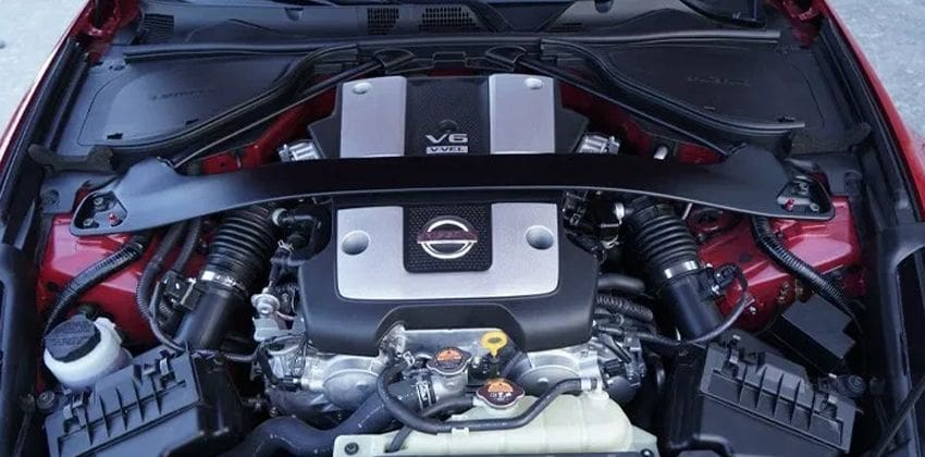 Nisan 370Z engine