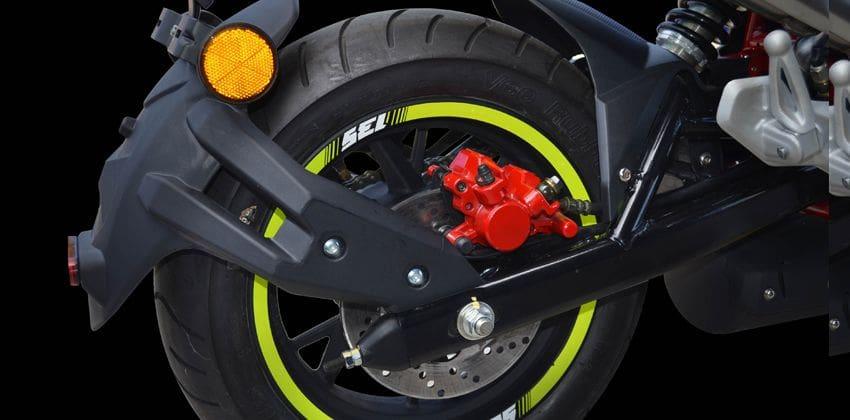 2020 Benelli TNT135 SE tire
