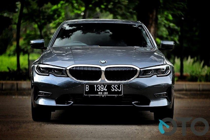 Sebelum Beli BMW 320i Cek Keunggulan, Perbandingan Harga Baru dan Bekasnya