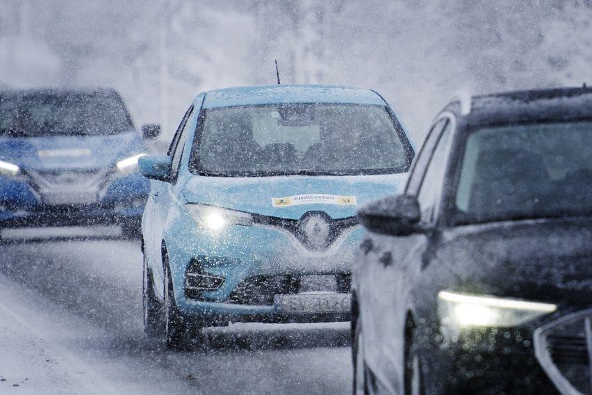 Menguji mobil listrik di iklim salju