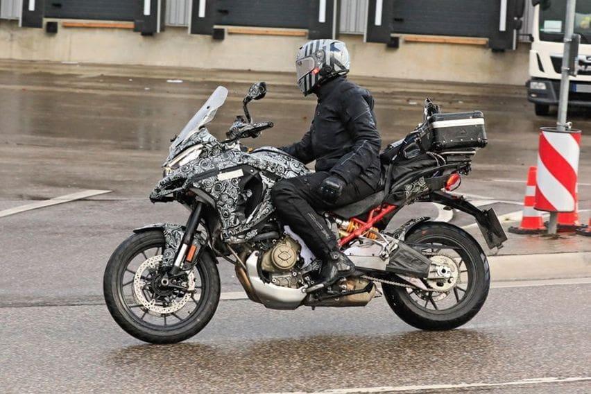 Ducati Multistrada 1200 Versi 2021 Pakai Mesin Panigale V4?