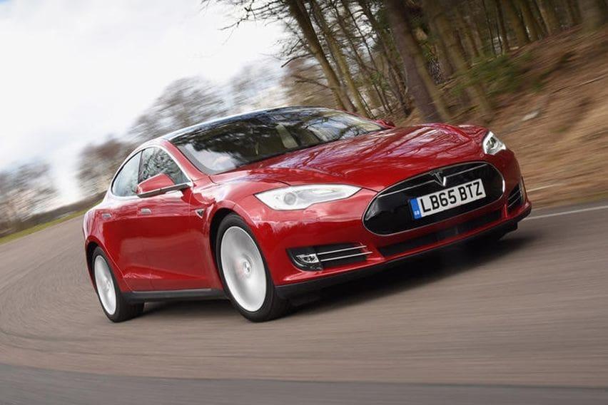10 Mobil Listrik Dengan Daya Jelajah Terjauh Tesla Mendominasi