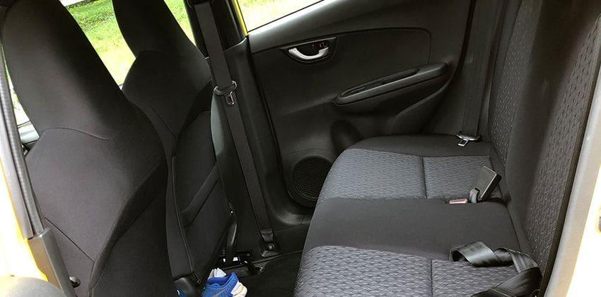 Honda Brio 1.2 V CVT rear seats 850x420