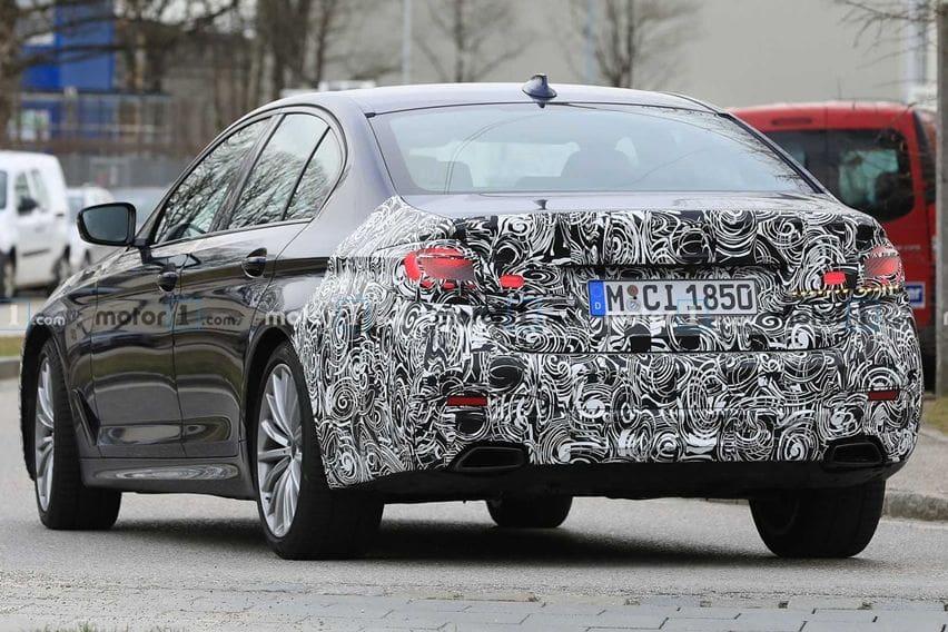 spy shot BMW 5-series G30