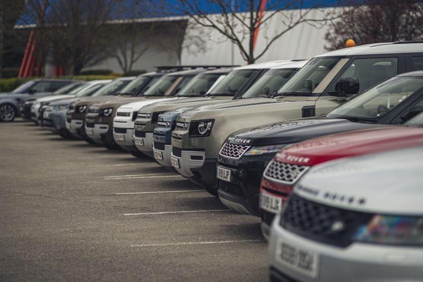 Jaguar Land Rover Donasikan 160 Mobil untuk Lawan Coronavirus (COVID-19)