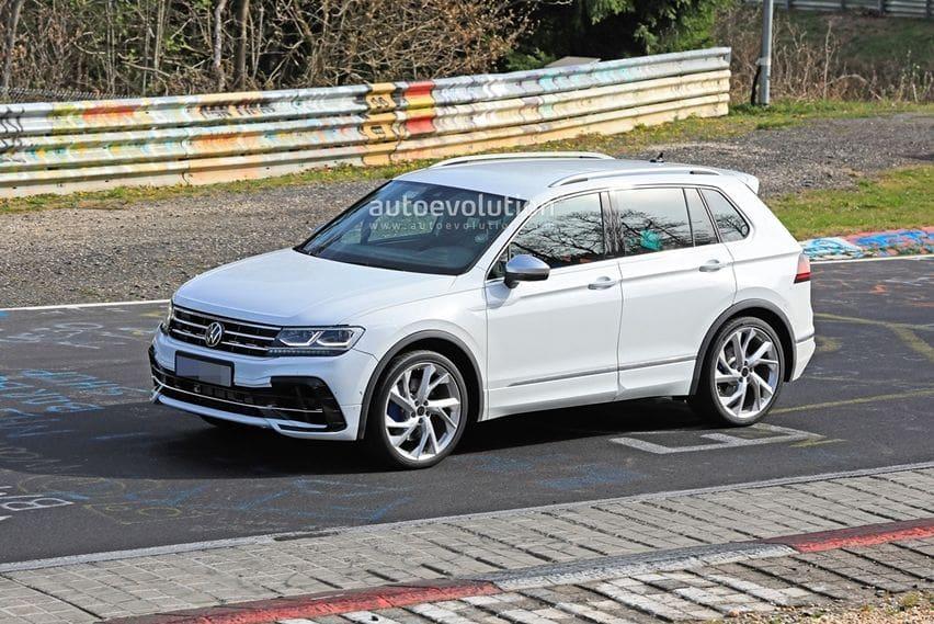 Volkswagen Tiguan R Facelift 2021 Sedang Uji Jalan di Nurburgring