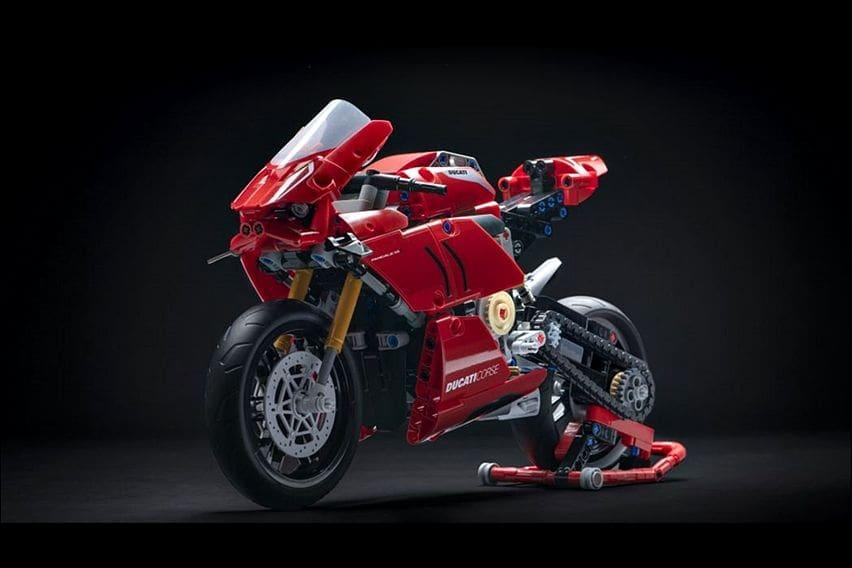 Lego Rilis Model Ducati Panigale V4 R, Harganya Rp 1 jutaan
