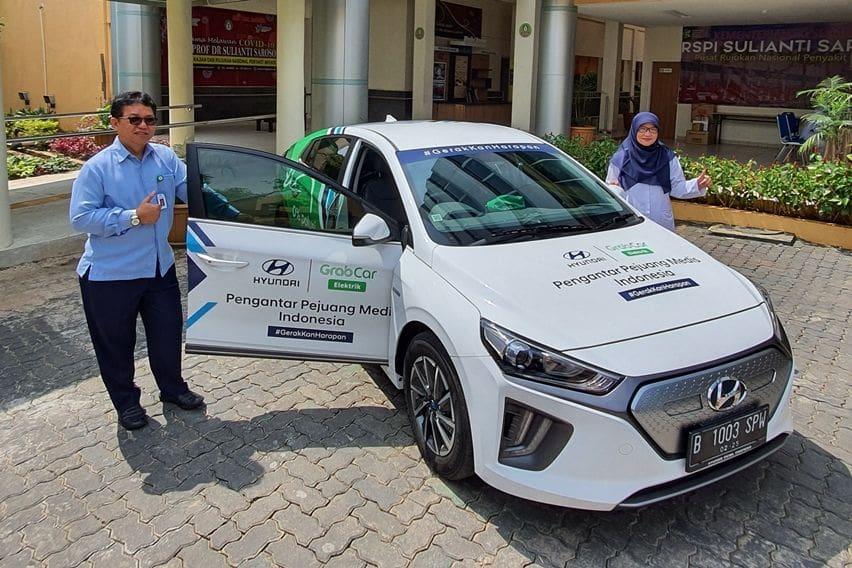 Hyundai dan Grab Siapkan Ioniq Electric Jadi Angkutan Tenaga Medis