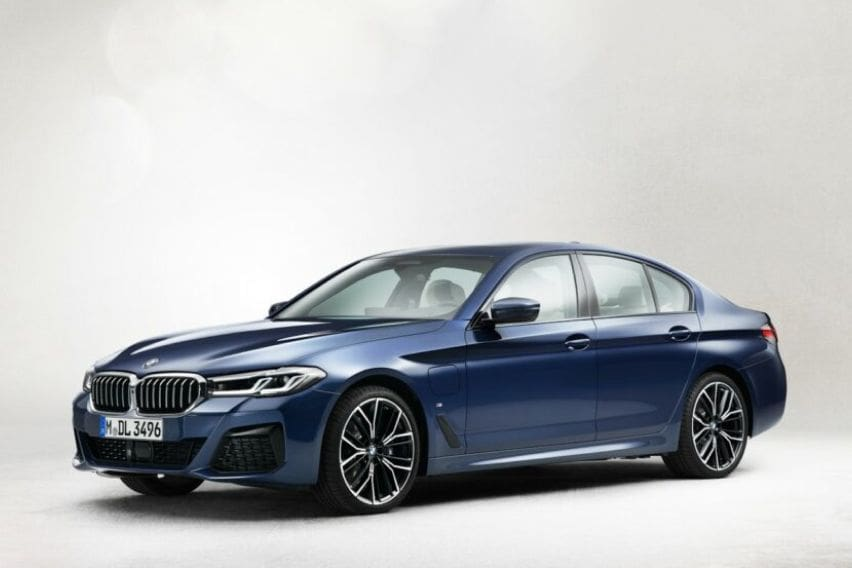 2021 BMW 5 Series front