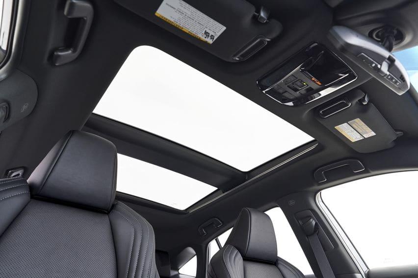 Kabin Toyota Venza