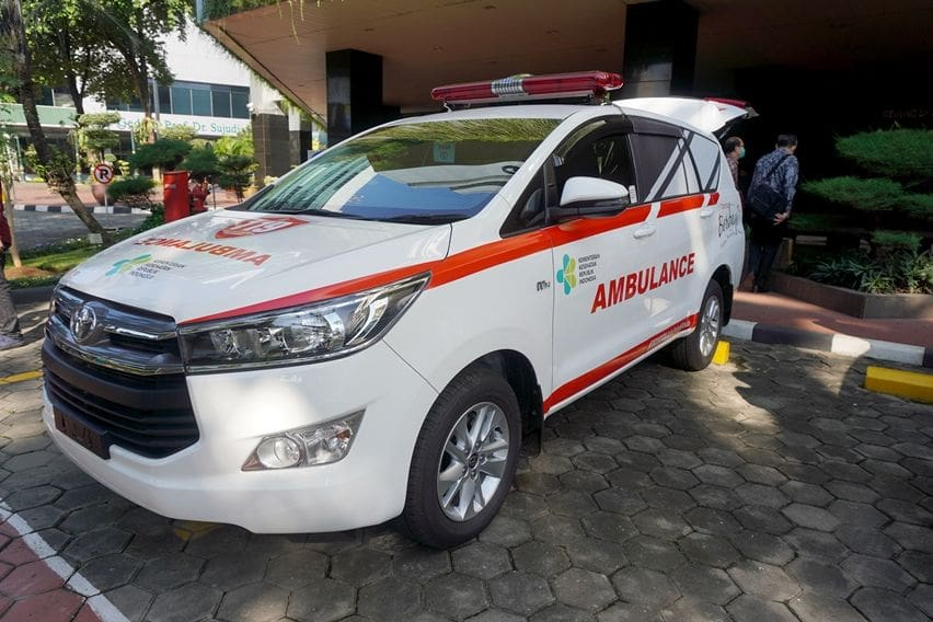 ambulans kijang innova