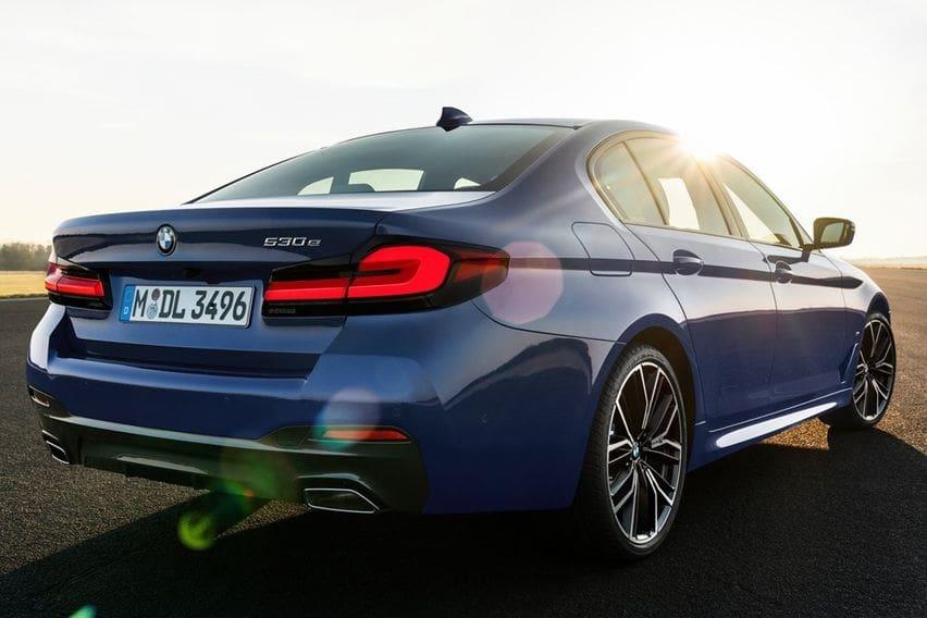 BMW 5-series rear end