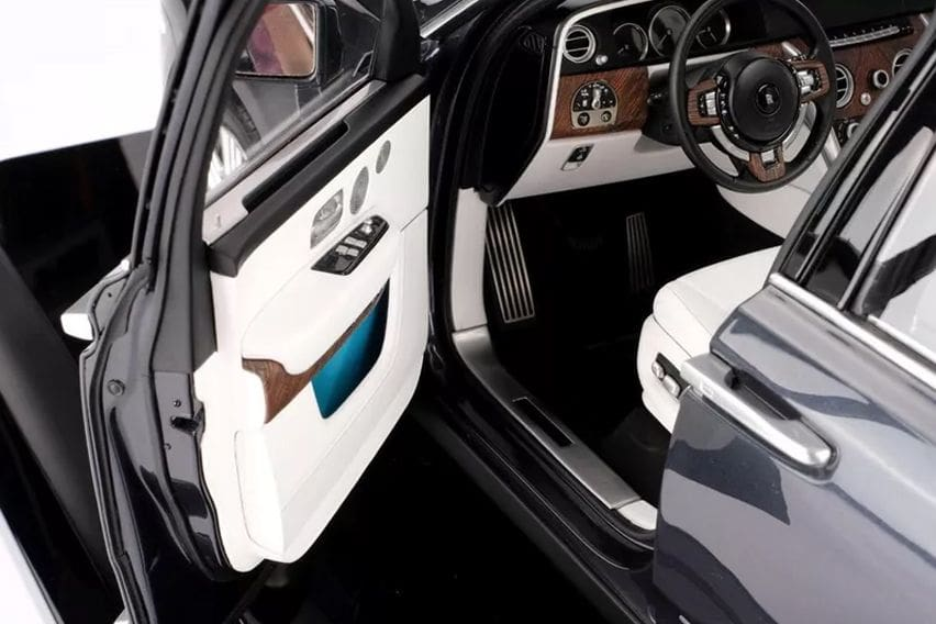 Rolls Royce Cullinan replica cabin