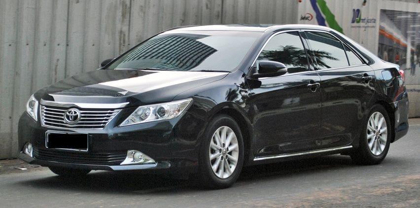 Toyota Camry 2.5V XV50 Dipasarkan Seharga Vios, Seberapa Menarik?
