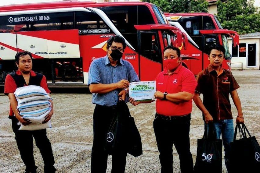 DCVI Donasi sembako untuk sopir truk dan bus
