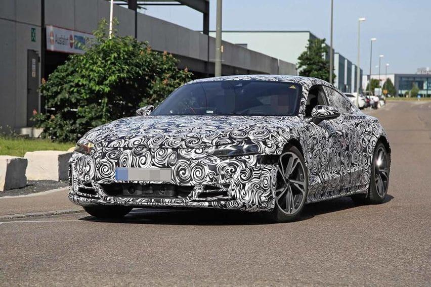 Audi E-tron GT Mencicipi Aspal dengan Balutan Kamuflase Tipis