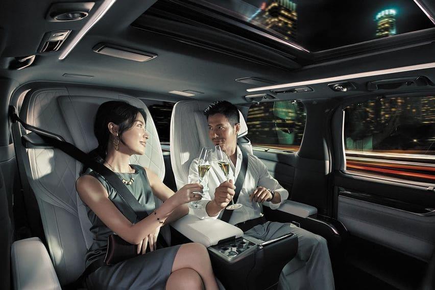 Kabin Lexus LM