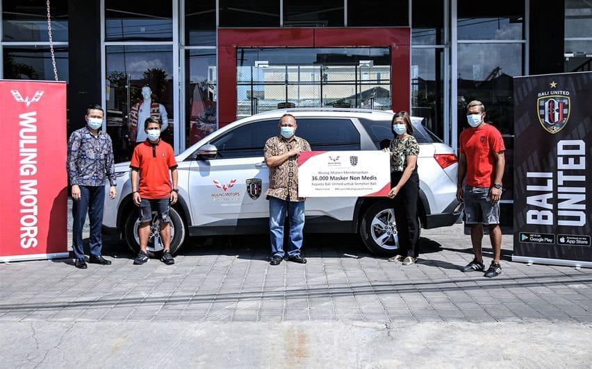 Wuling dan Bali United donasi
