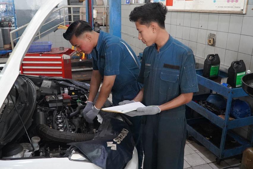 Servis mobil Suzuki cepat