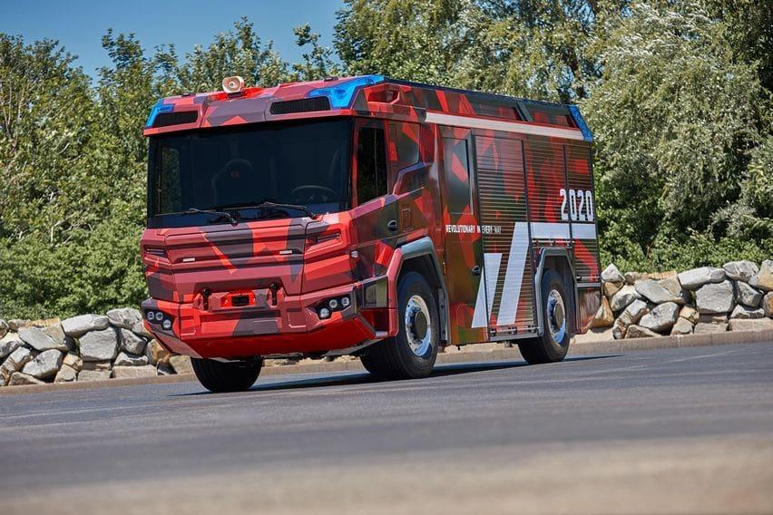 Volvo Penta Bikin Kendaraan Listrik Pemadam Kebakaran Pertama di Dunia