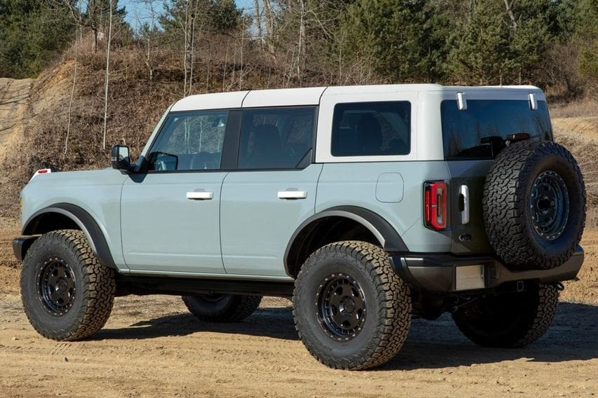 Ford Bronco rear side