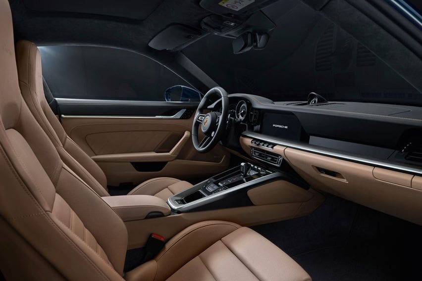 Porsche 911 turbo cabin