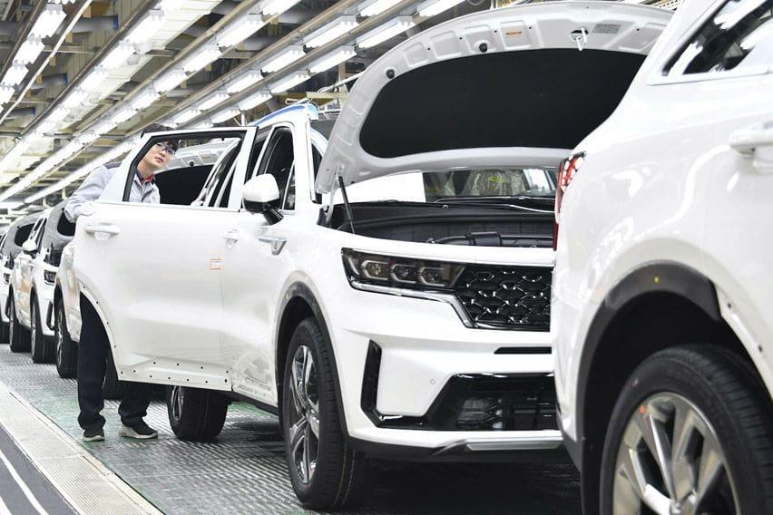 2021 Kia Sorento hybrid production begins in Korea