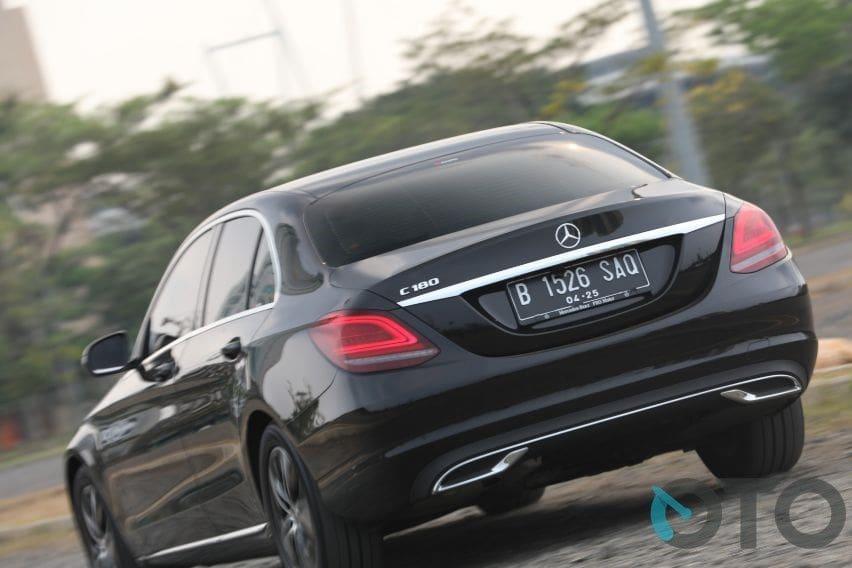 Akeselerasi Mercedes C180