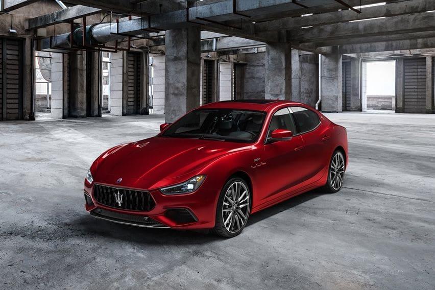 Maserati Tambahkan Varian Trofeo ke Ghibli dan Quattroporte