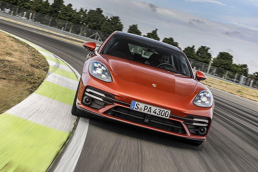 Porsche Panamera 2021 Fokus Peningkatan Performa