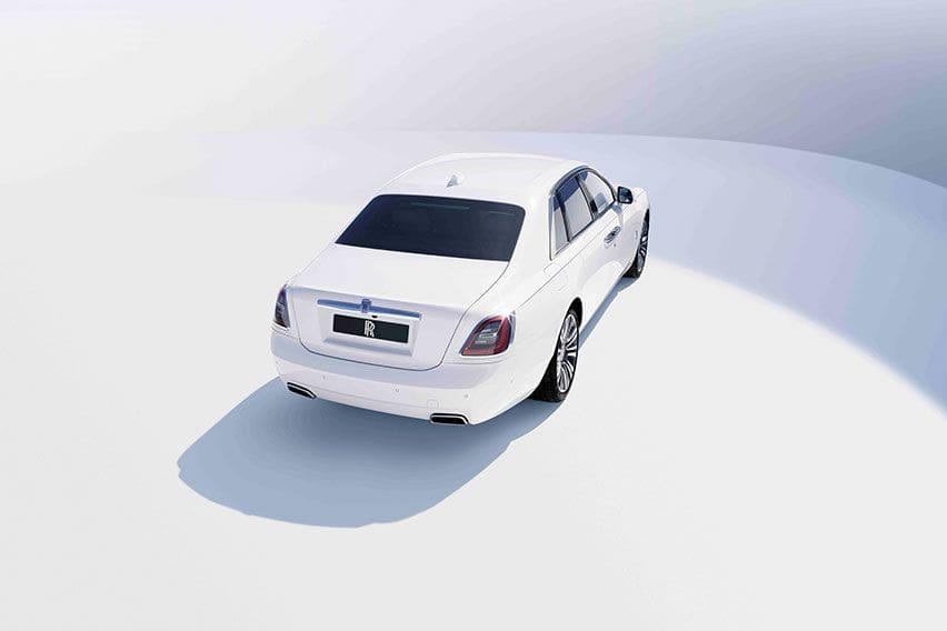 10 Fakta Menarik Rolls Royce Ghost Generasi Terbaru