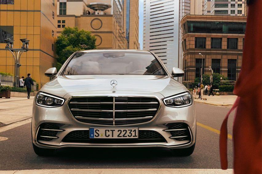 2021 Mercedes-Benz S-Class debuts, features advanced tech