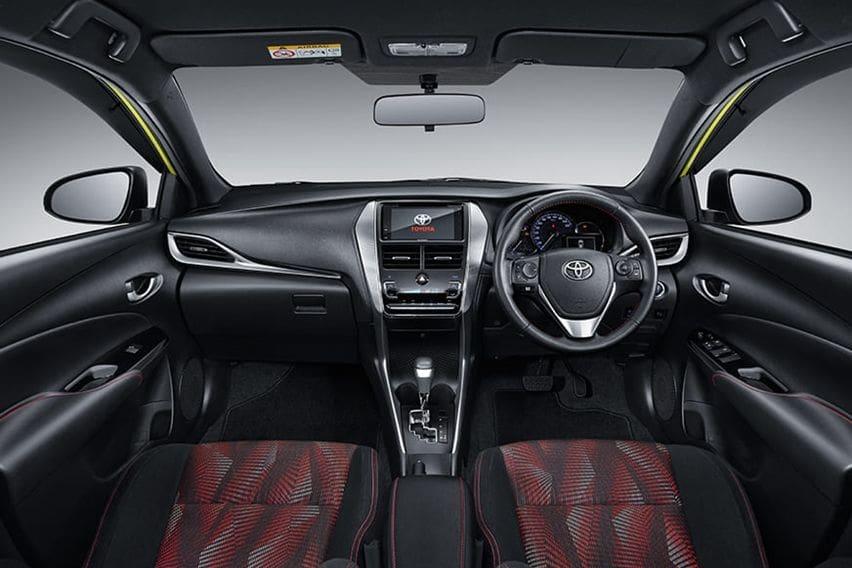 interior new yaris