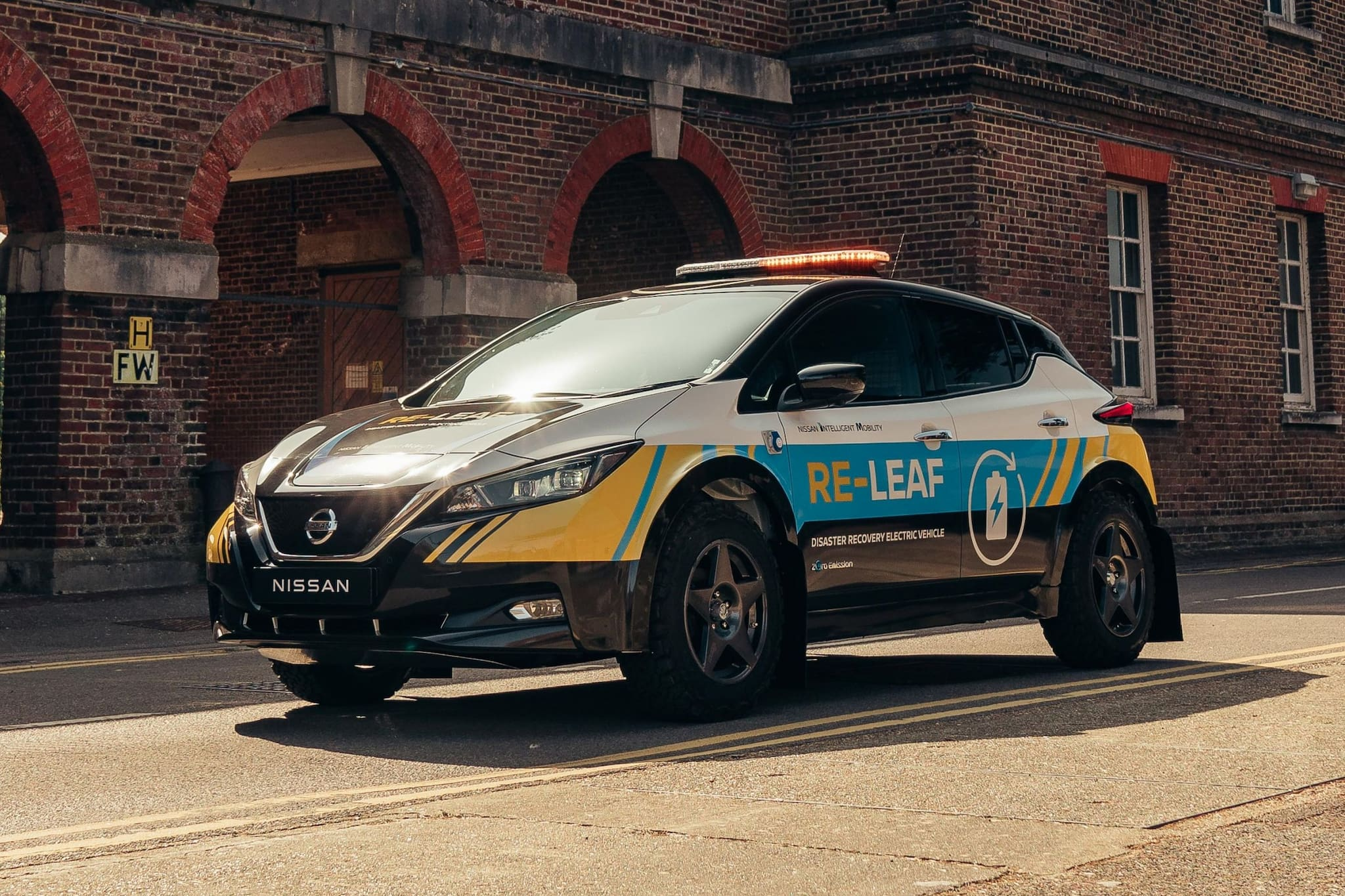 Nissan-RE-LEAF-body-photo-4