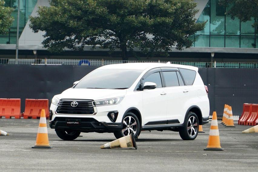 Panduan Memilih Varian Toyota Kijang Innova Berdasar Fungsionalitas dan Harga
