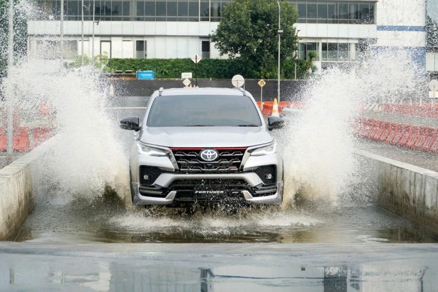 Check out the butch-looking 2020 Toyota Fortuner TRD trim