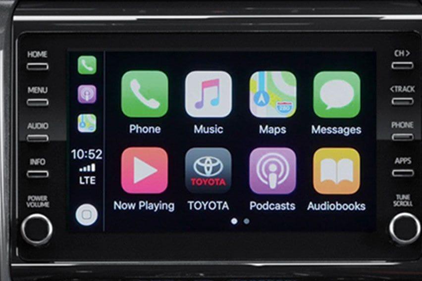Toyota Fortuner Apple CarPlay