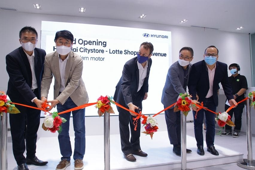 Pendekatan ke Konsumen, Hyundai Buka City Store di Lotte Shopping Avenue