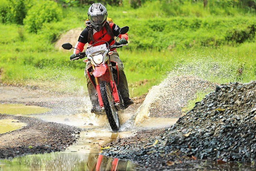 Jangan Asal Pilih Riding Gear untuk Giat Off Road, Berikut Daftar Perlengkapannya