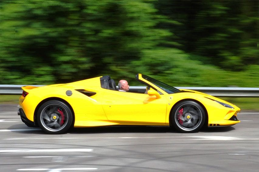 Road Test Ferrari F8 Spider, Sensasi Open-Top Sports Car