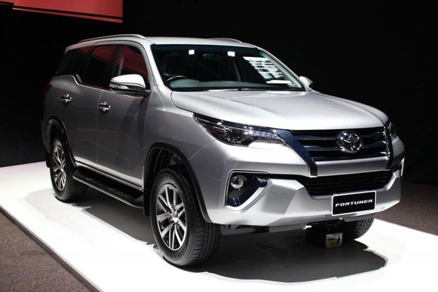 New Toyota Fortuner SRZ, SUV Ladder-Frame Bermesin Bensin yang Tersisa