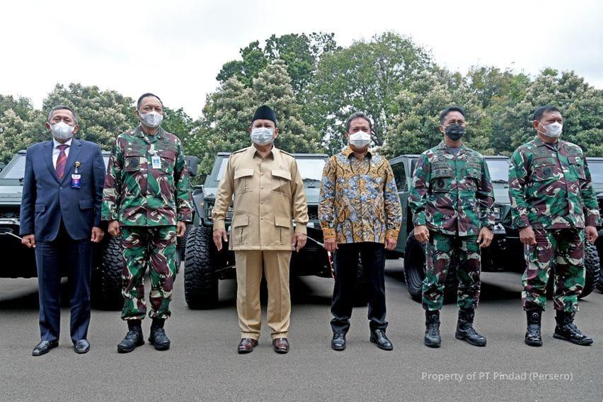 Pindad Serahkan 40 Unit Rantis Maung ke TNI