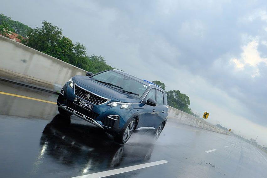 Lakukan 4 Hal Ini untuk Melindungi Mobil Pasca Hujan