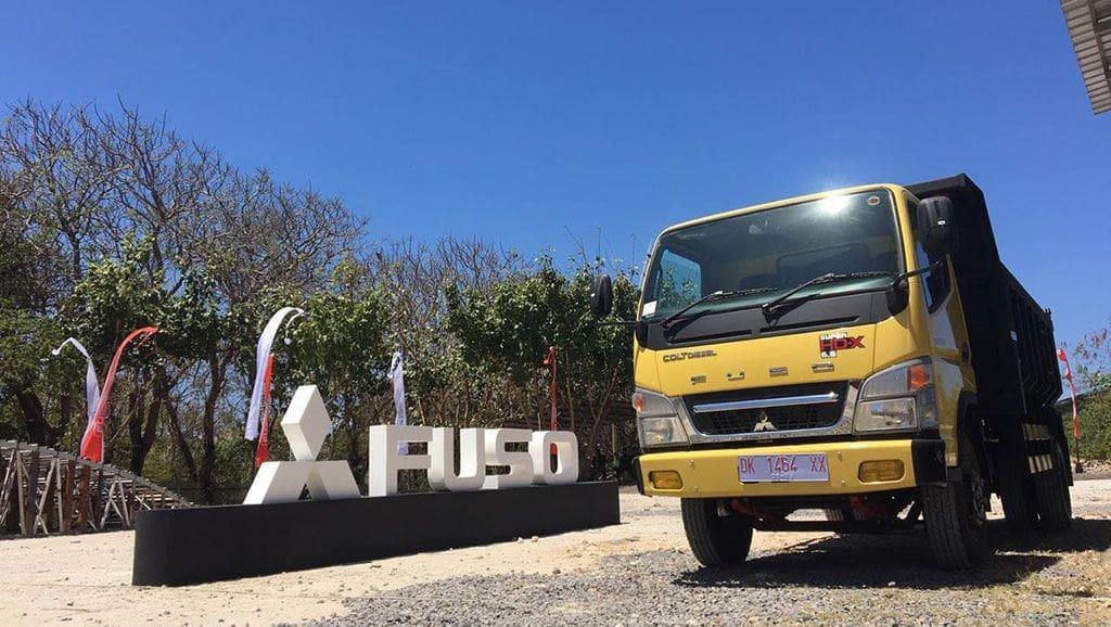 Truk Mitsubishi Fuso Produksi 2021 Sudah Dilengkapi APAR Sebagai Standar