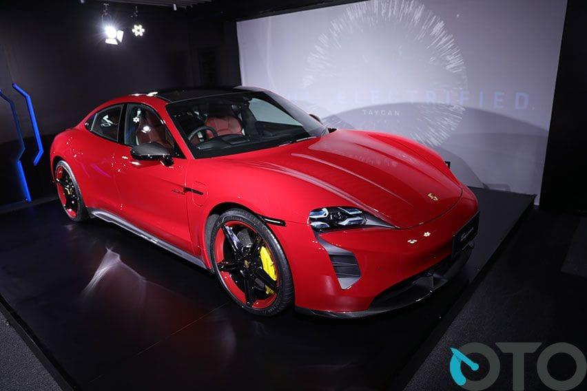 5 Hal Menarik dari Sportscar Listrik Porsche Taycan Turbo S Terbaru