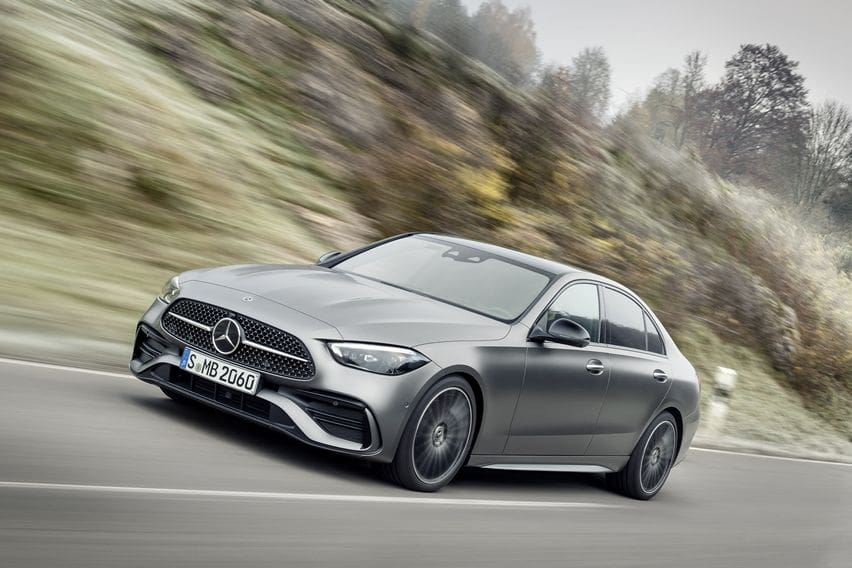 Mercedes-Benz C-Class Mendebut Sebagai Baby S-Class Paling Identik