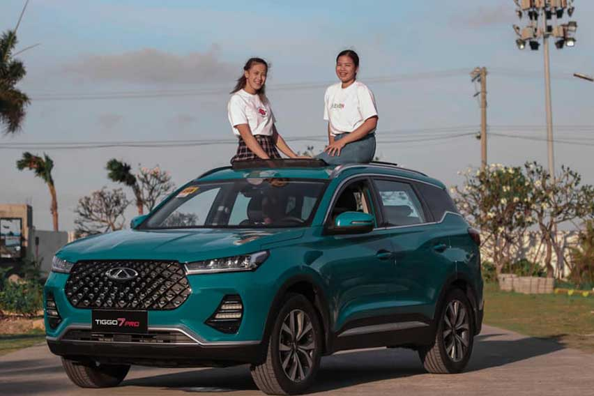 EJ Laure and Eya Laure with Chery Tiggo 7 Pro