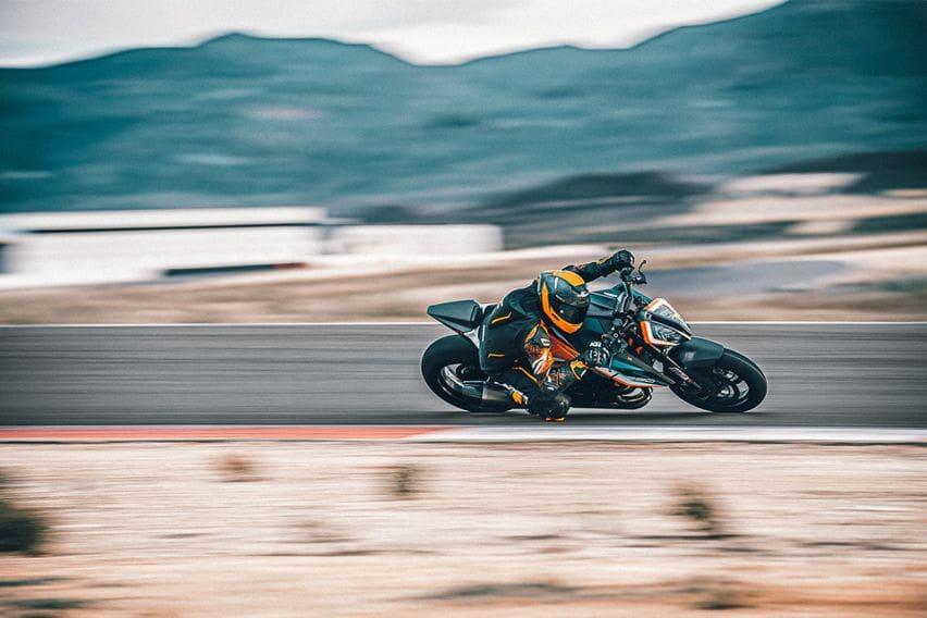 Check out the 500 unit limited KTM 1290 Super Duke RR