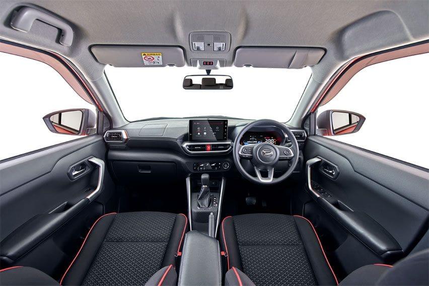 Daihatsu Rocky interior